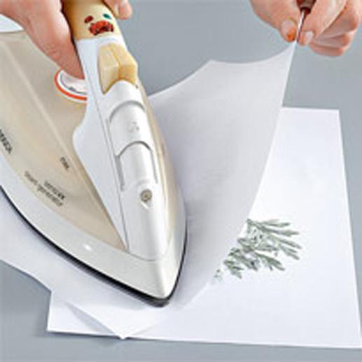 как засушить листья с помощью утюга