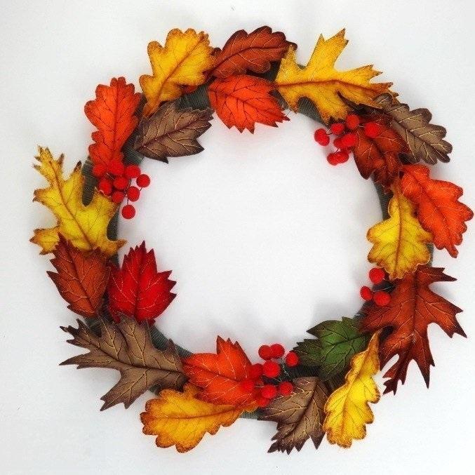 Сделать венок из листьев своими руками