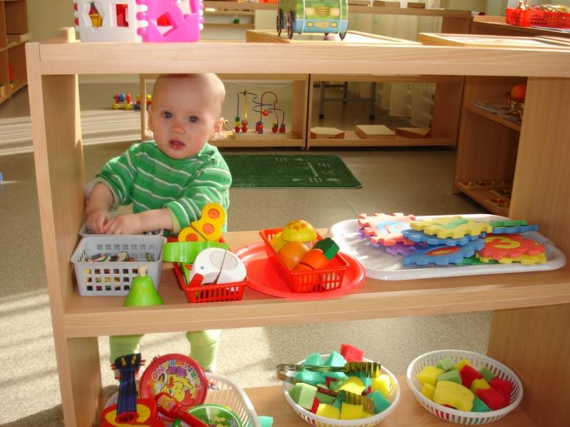 хранение игрушек по методике Марии Монтессори