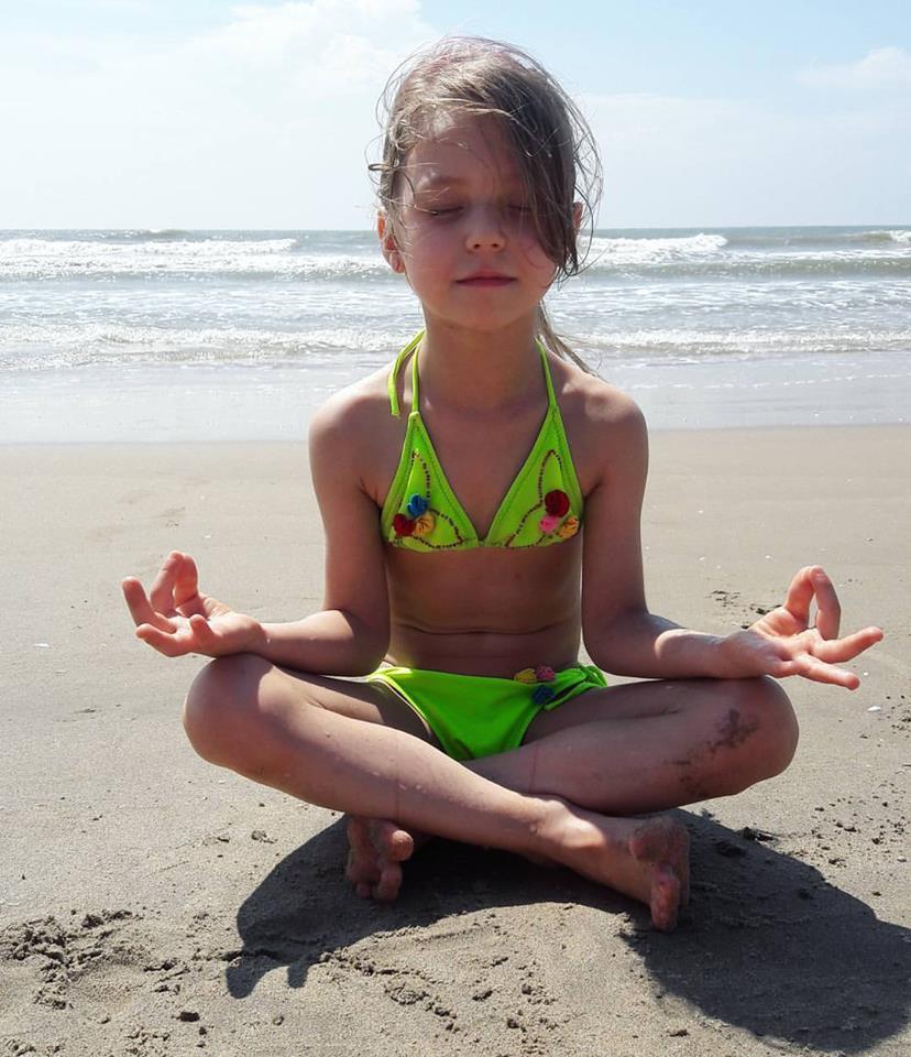 Организация детского досуга и обучения в ГОА для русских детей
